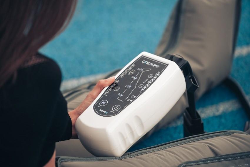Oporavak počinje sa Care Pump-om! Moderan, kompaktan, prenosiv uređaj za presoterapiju.